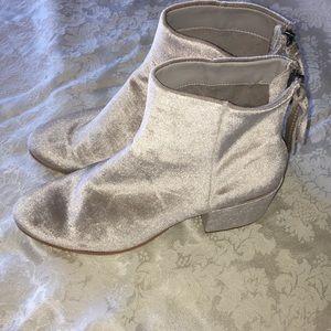 NWT Grey Velet Dolce Vita Boots 8M